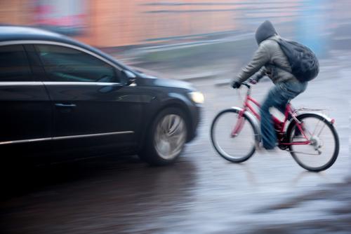 Automobiliste heurte cycliste et essaye d'éviter l'amende en commettant un délit de fuite – Mon amende